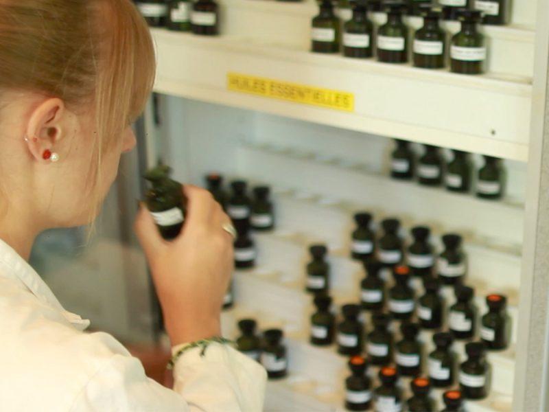 Huiles essentielles laboratoire